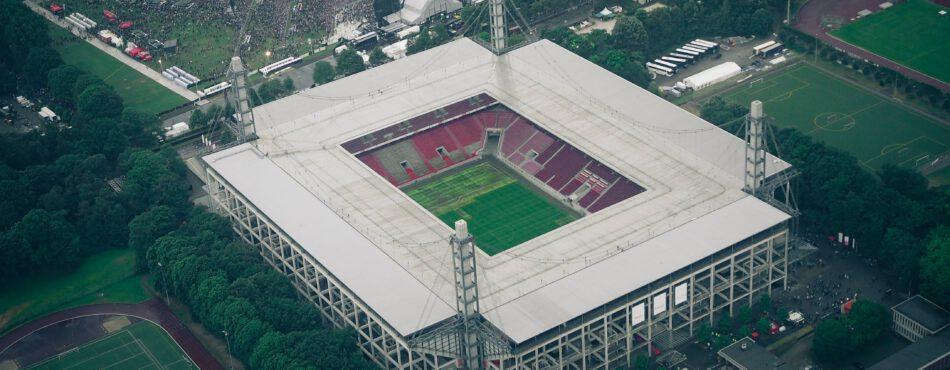 Das Müngersdorfer Stadion in Köln aus der Vogelperspektive